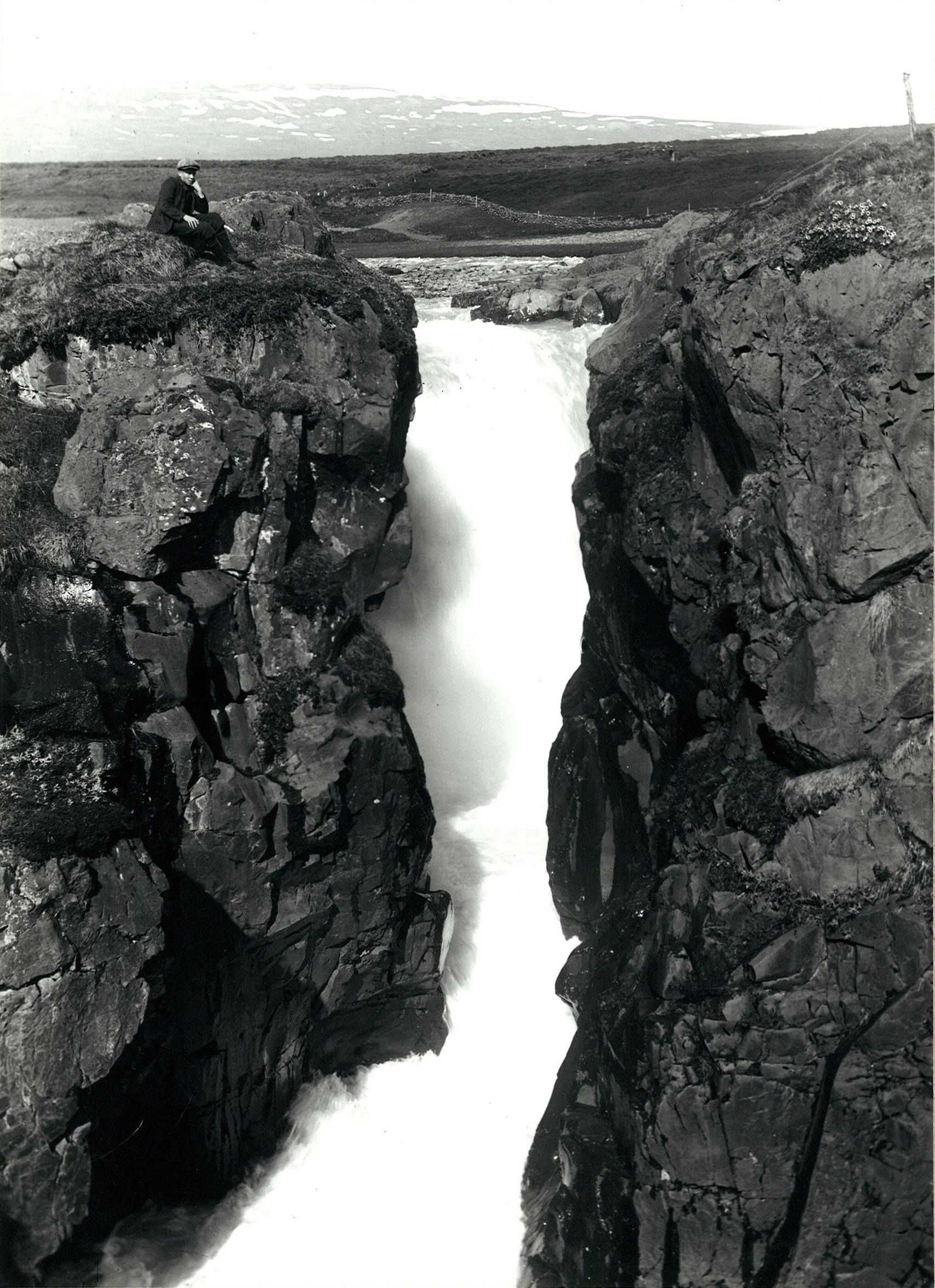Glerárfoss þar sem stíflan var reist.